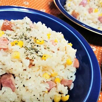 【レシピ】ピリッとやみつき!【ペッパーベーコーンピラフ】#お弁当#炊飯ジャー#簡単#やみつき