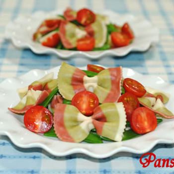 スナップエンドウとファルファッレのサラダ☆ミニトマト添え【味わいすっきり♪トマトドレッシングで】