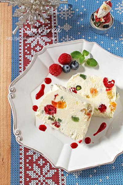 クリスマスは混ぜて冷やすだけのふわふわのアイスケーキ!セミフレッド