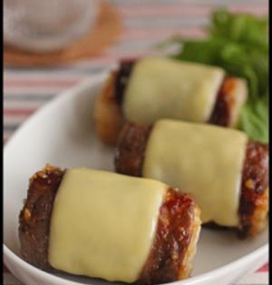 お弁当や持ち寄りにも♪みんな大好き!肉巻きチーズおにぎり