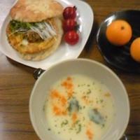 サンド&スープの昼食