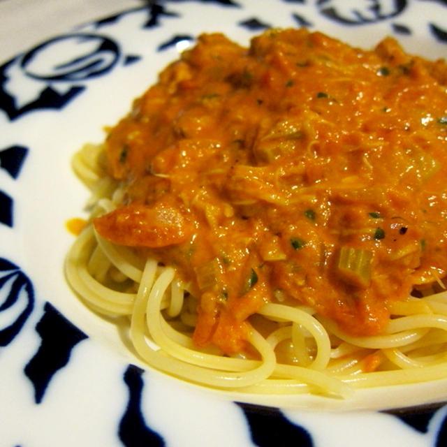 カニの風味が最高♪カニのトマトクリームスパゲティ