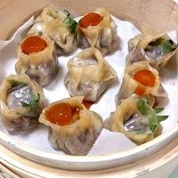 マグロ餃子with黄身の醤油漬け