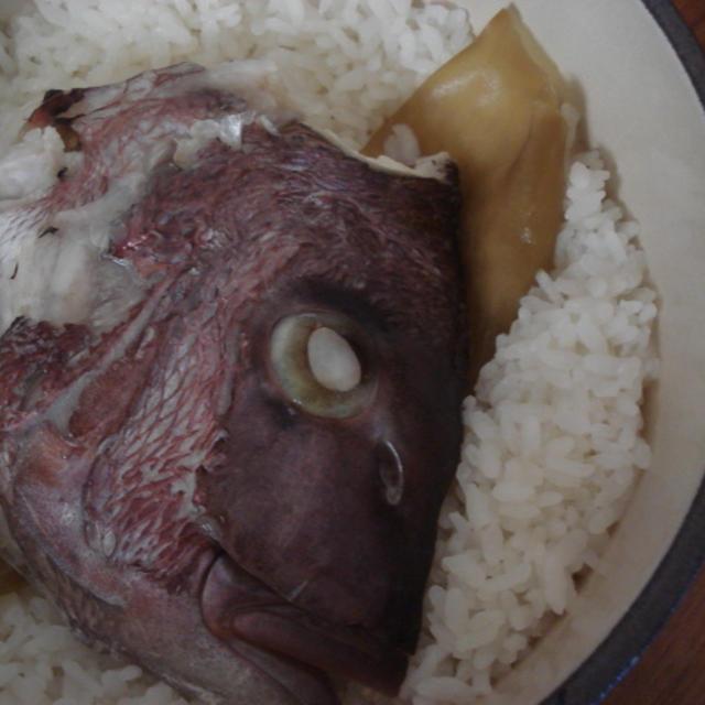 おまけの鯛の頭でカンタン鯛飯♪