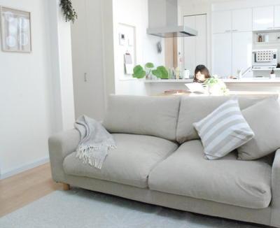 私もちょうどこういうソファを作りたいと考えていたところだったのでかなり期待していました。「ひょっとしたら衝動買いしちゃうかも?」と思うほどだったのですが、  ...
