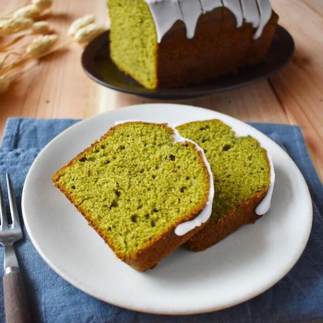 お年賀に【抹茶のアイシングパウンドケーキ】スリッパかくつ下か。