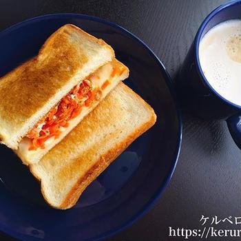 朝食LOG 20180206 人参シリシリのトーストサンド