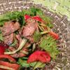 ヤムヌア〜 タイの牛肉サラダ