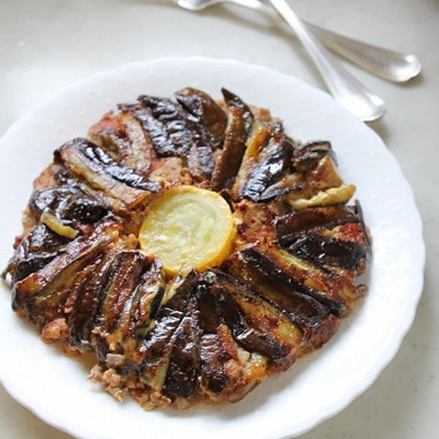 フライパンでチャチャ、ひき肉とナスのミルフィーユ焼き