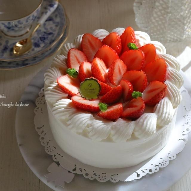 半年ぶりの苺のショートケーキ作り🍰❁