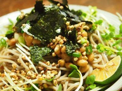 >納豆と蕎麦の実のぶっかけそば by サカモトユイさん