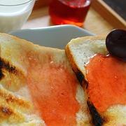 苺ジャミトースト