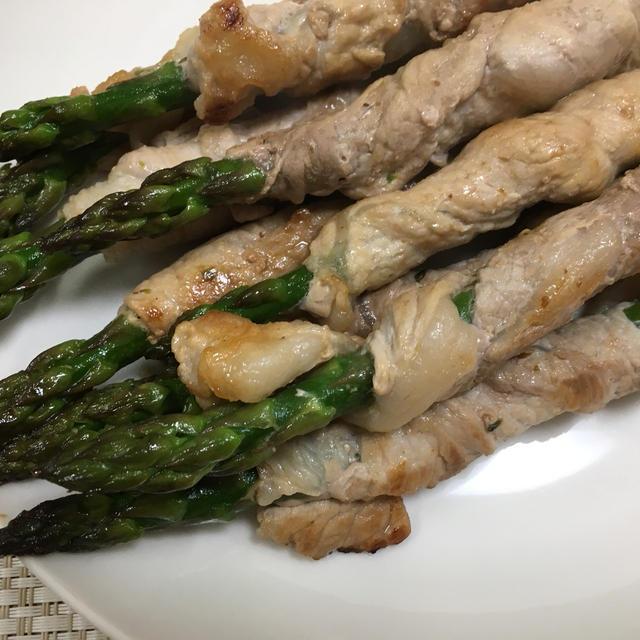 (レシピ)アスパラガスの豚肉巻き、だし蒸し