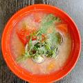 冷凍しじみの簡単お味噌汁にトマトをプラス
