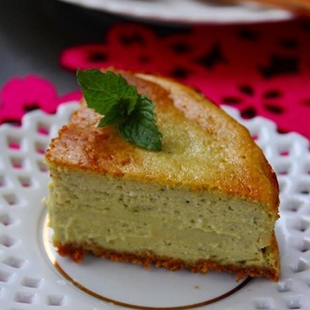 お誕生日の抹茶チーズケーキ