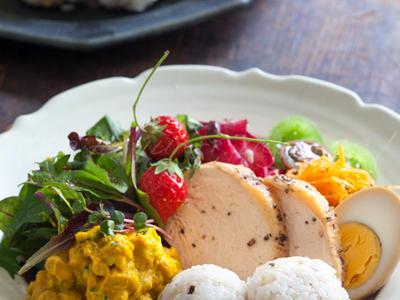 >蒸し大豆とかぼちゃのピューレのサラダ、そしてワンプレートランチ by ゆりりさん