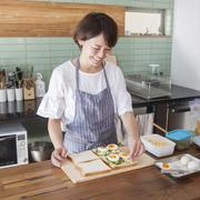 【おいしい暮らし】料理家・柚木さとみさんが「レシピに頼りすぎず、味見してつくる」理由って?