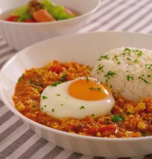 火を使わない簡単レシピ!レンジ de 豆腐とすりおろし野菜のキーマ風カレー