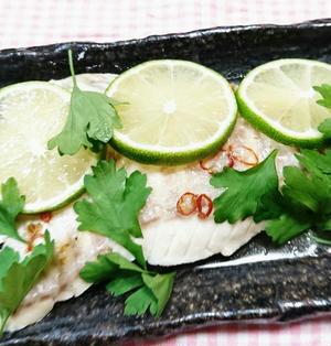 プラーヌンマナーオ(白身魚のライム風味蒸し)