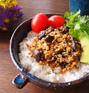豆腐そぼろ丼♪はちみつ梅とシメジで免疫アップ
