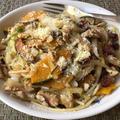 南瓜、白菜、胡桃、ドライフルーツのパスタ