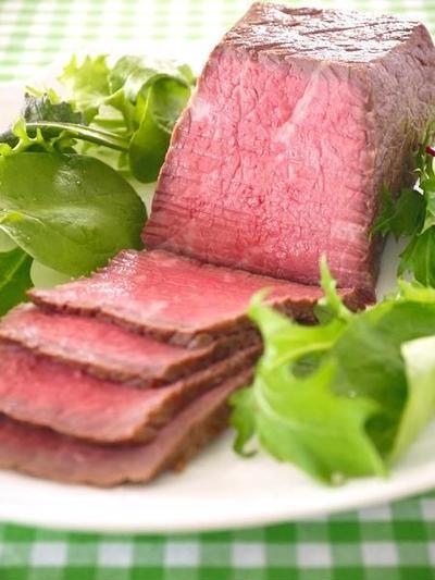 炊飯器で作るお肉料理のレシピ集。しっとりほろほろの柔らかお肉が超おいしい♪