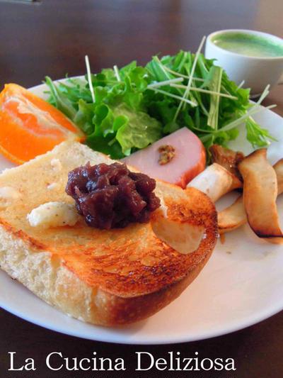 山食で小倉トースト、シラスと小エビのチャーハン、中華風ちまき