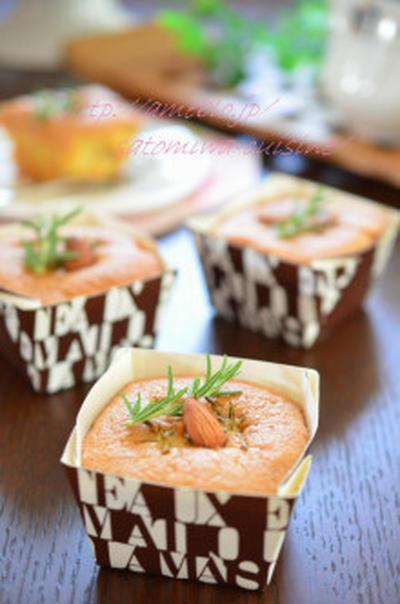 オリーブオイルとローズマリーのアーモンドケーキ♡