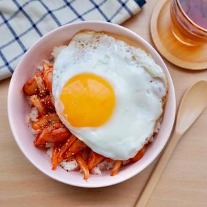 手軽に作れるのにおいしい!どめさんの「卵で作る簡単丼」アイデアは必見です♪