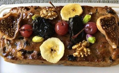 フルーツケーキ、抹茶のパウンドケーキ、りんごのケーキ