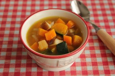 食欲のないときに♪野菜たっぷりコンソメスープ