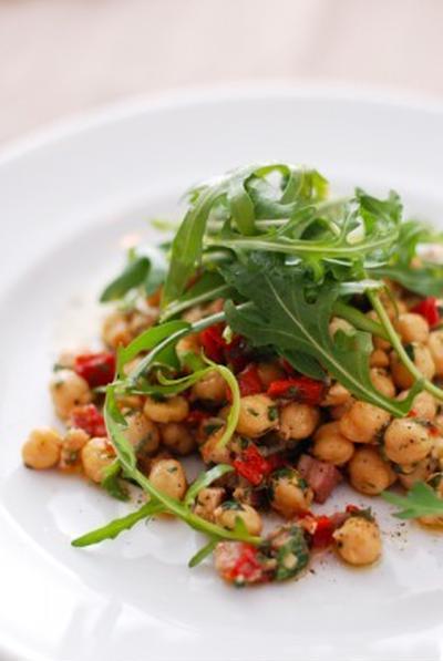 ひよこ豆と赤ピーマンのサラダSLADE DE POIS CHICHES AU POIVRON ROUGE