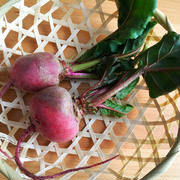 ビーツの葉とエリンギのバターソテー。ビーツの葉を捨てないで♪【農家のレシピ帳】