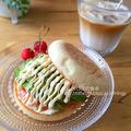 スモークサーモンとアボカドのサンドイッチ(朝食2015.7.11)
