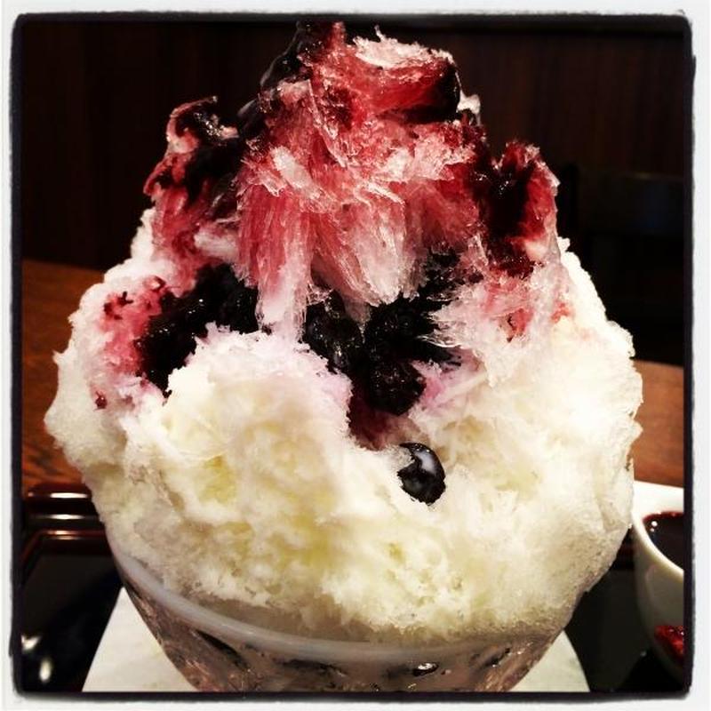 かき氷好きの女性店主が初めたかき氷。<br><br>氷は「三ツ星氷室の日光の天然氷」を使用。絞りたて...