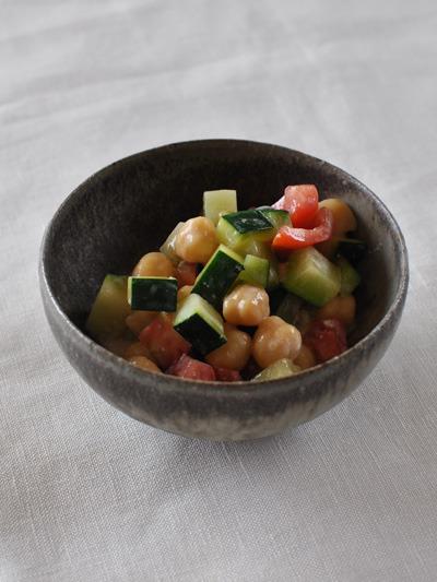 ズッキーニとひよこ豆のヨーグルト和え