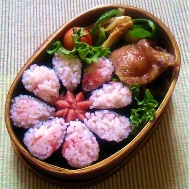 【手順画像有】簡単花型海苔巻きのお弁当