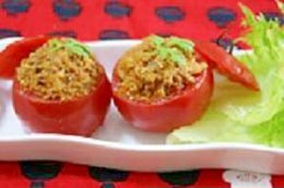 キーマカレーINトマトカップ