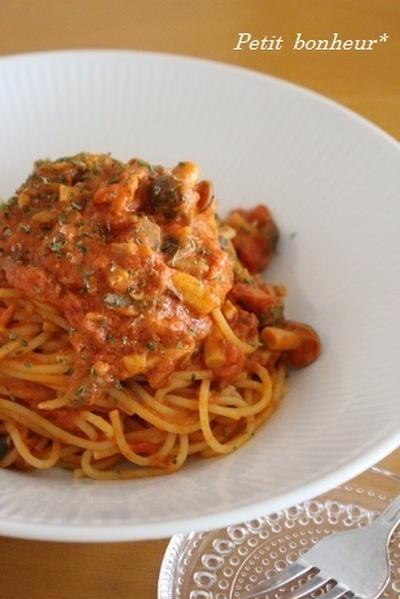 オイルサーディーンのトマトソースパスタ