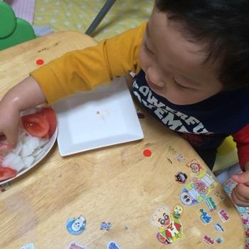 1歳10カ月 トマトは大好き!