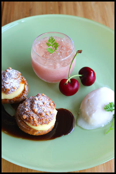 桃のデザート盛り合わせ