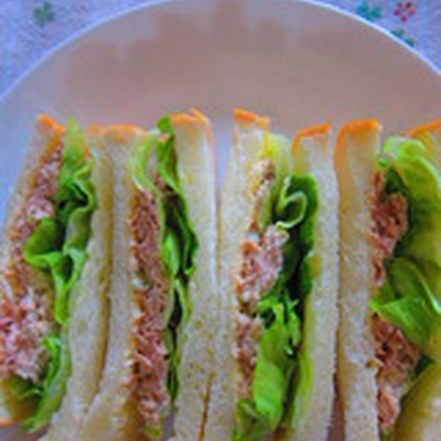 「サンドイッチ紀行 No,4 ~つぶつぶレモンのツナサンド~「」
