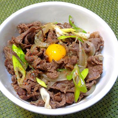 『牛丼の作り方』満足感にホッとする♪定番丼物の簡単美味しい作り方