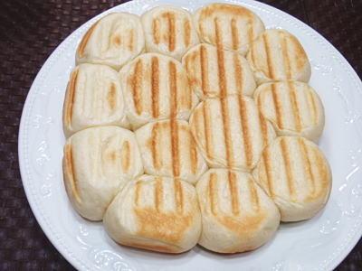 角型味わい鍋で作る、カリッとふっくらパン(レシピ付)