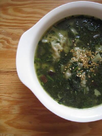 モロヘイヤとナスのぎょうざスープ
