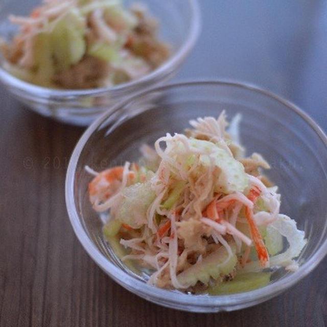 【セロリとハナビラタケとカニカマの酢の物】夜あっさり 昼がっつりで お肉もね