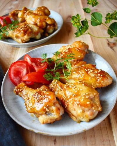 味付け簡単。骨つき肉っておいしいな。【手羽元でごまポンチキン】15分/冷蔵5日/フライパン