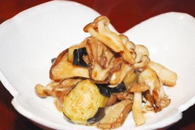茄子とキノコの味噌マヨネーズ炒め