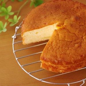 ヨーグルトを入れるだけ!しっとり感が格別の爽やかケーキ