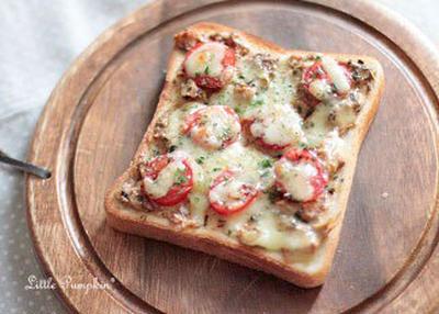 さば味噌トマトトースト(バジル風味)
